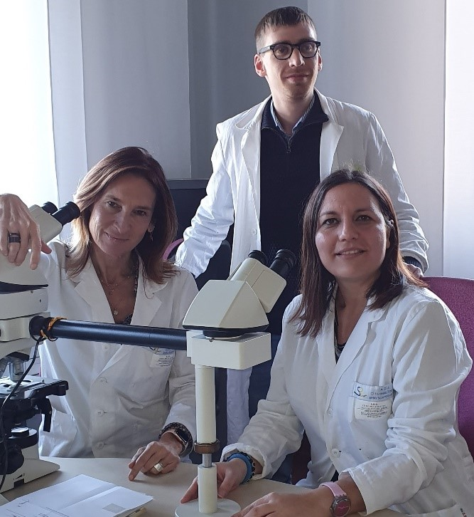 From the left: Prof. Paola Cassoni, Drs. Luca Bertero (standing) and Antonella Barreca